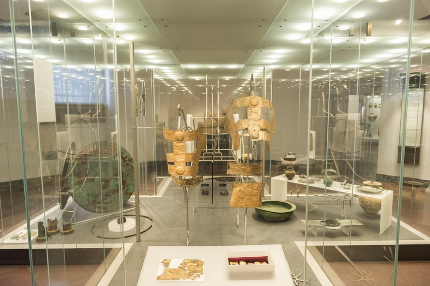 The Benefits of Commercial Glass to Display Products