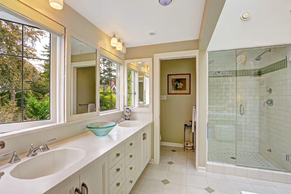 5 Reasons Shower Doors Make Awesome Gifts