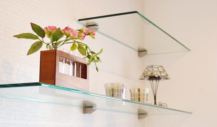 7 Advantages of Glass Shelves in Your Home