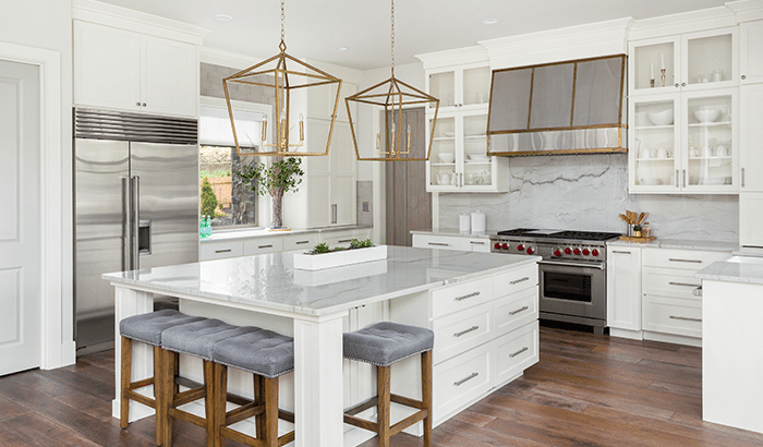 The Benefits of Glass Backsplashes For Your Kitchens and Bathrooms